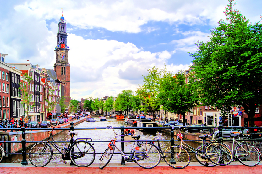 Amsterdam – fewer parking spaces making room for green oasis